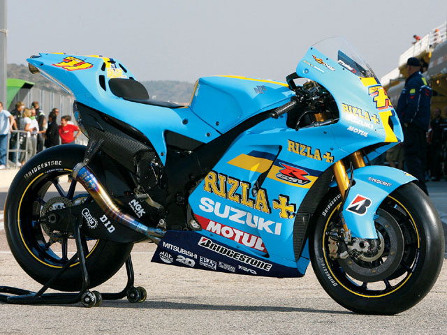 146_0805_07_zsuzuki_rizla_GSVR800side_view.jpg